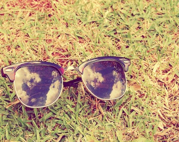 Favim.com-art-clouds-photography-ray-ban-reflexion-215136